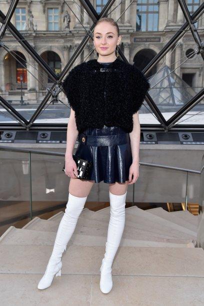 Sophie Turner no desfile da Louis Vuitton