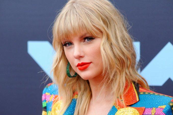 Taylor Swift cancela show após denúncias de crueldade contra animais