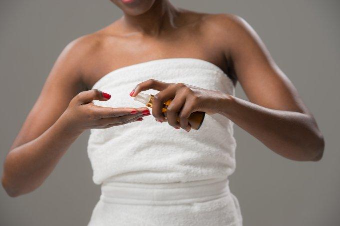 Benefícios de usar óleos faciais para a pele