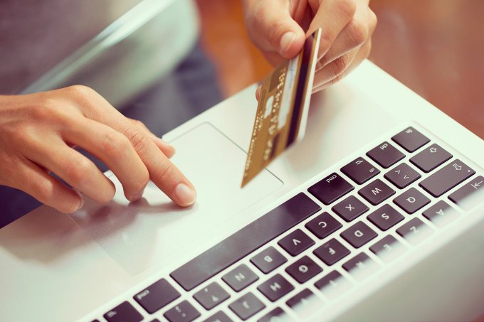 mulher-compras-online