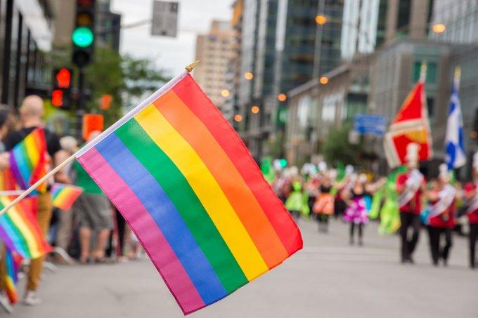 Bandeira de arco-íris do movimento LGBTQ+