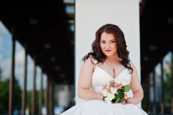 12 vestidos de noiva plus size por menos de mil reais