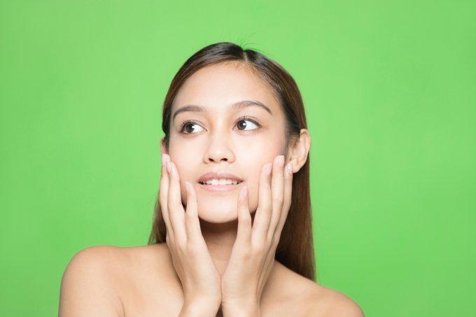 Sofre com acne e oleosidade? O problema pode estar na sua rotina