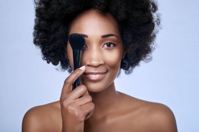 Tutoriais de maquiagem para pele negra