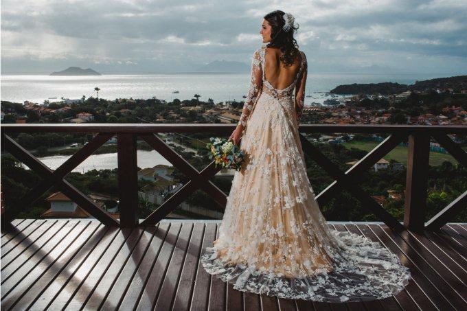 32 vestidos de noiva com decote nas costas