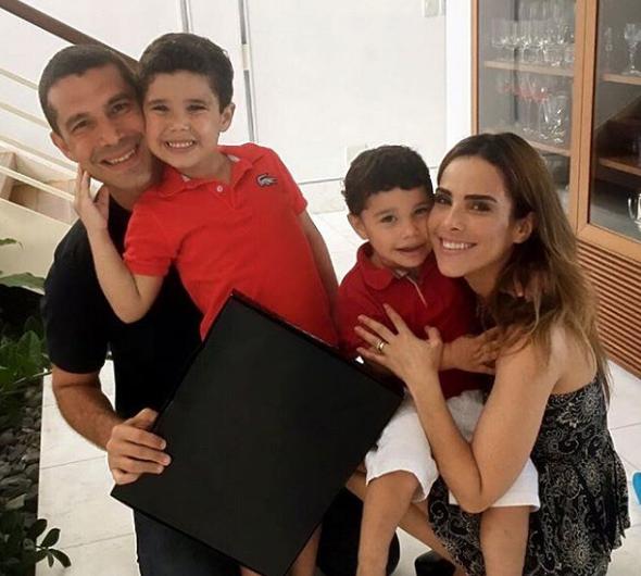 Wanessa e Marcus Buaiz com os filhos