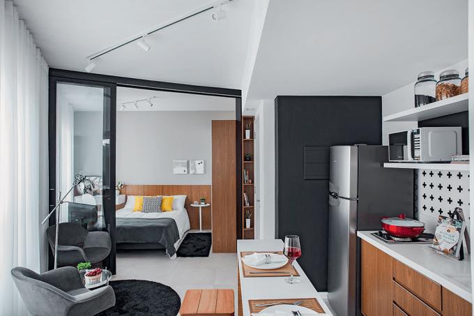 Ape-de-29-m2-com-planta-assimétrica-e-ambientes-integrados-estar-e-jantar