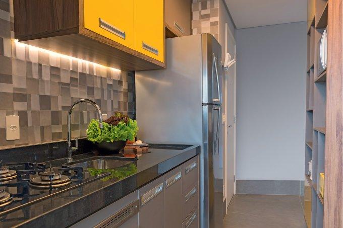 ape-de-48-m-com-pitadas-de-amarelo-na-decoracao-cozinha-fogao