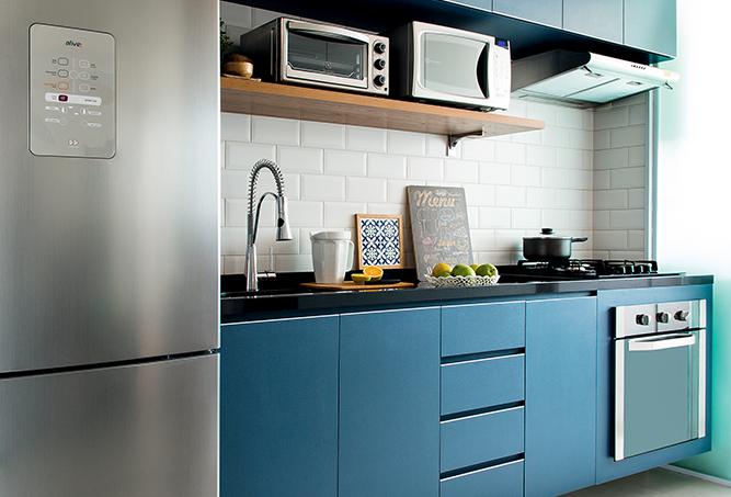 decoração-de-apartamento-pequeno-com-móveis-sob-medida-e-painéis-cozinha