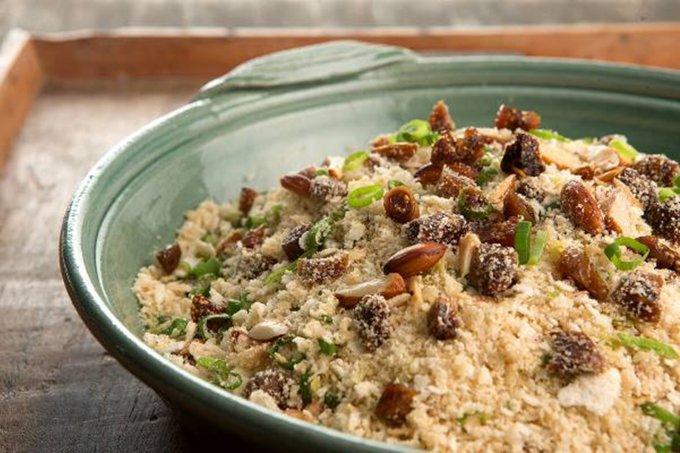 Farofa com arroz e tâmaras