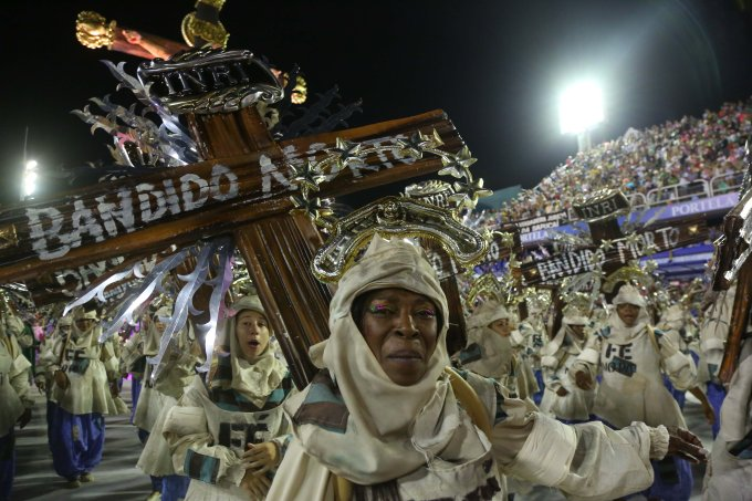 1º dia de desfiles do Rio de Janeiro no Carnaval 2020