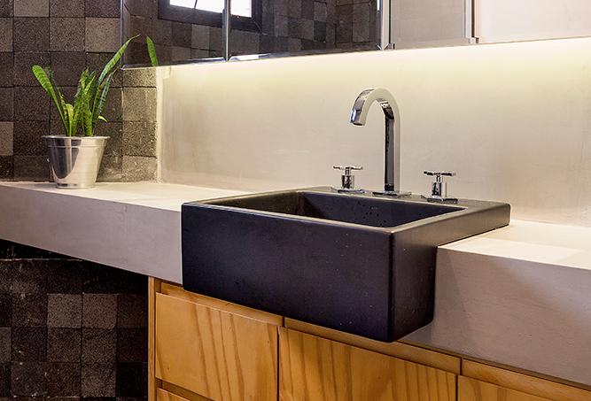loft-de-38-m2-com-estilo-industrial-e-ambientes-integrados-banheiro