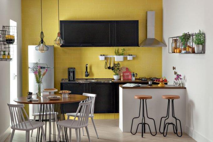 Cozinhas cheias de cor e charme