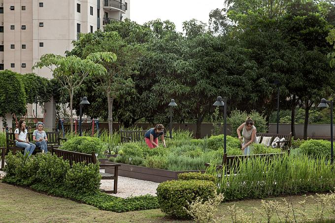 Moradores condomínio residencial criam horta comunitária-08