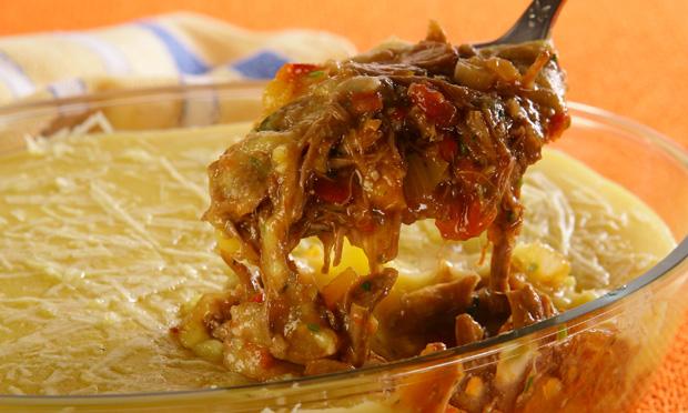 receita-escondidinho-de-carne-desfiada-com-polenta