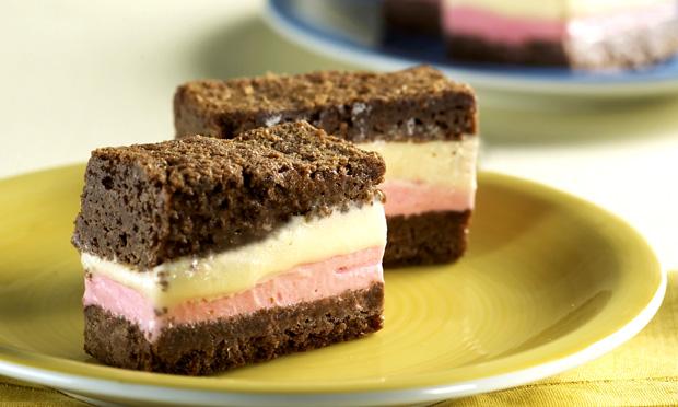 receita-sanduiche-de-brownie-e-sorvete