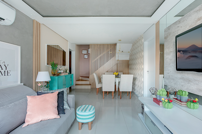 salas-de-estar-e-jantar-com-painel-ripado-de-madeira-e-azulejo-3D-5