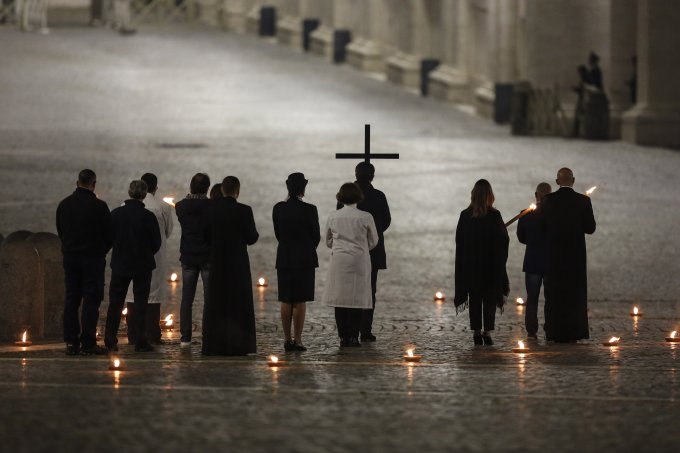 via crucis papa francisco