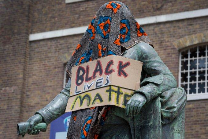estátuas de escravagistas