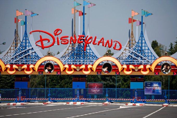 Disney planeja reabertura dos parques em julho