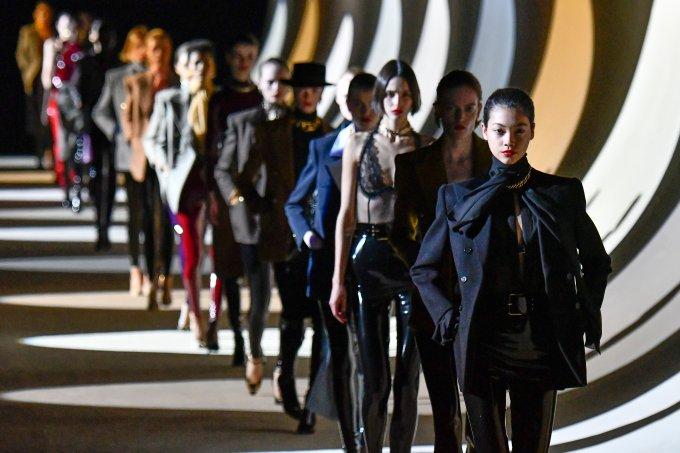 Saint Laurent : Runway – Paris Fashion Week Womenswear Fall/Winter 2020/2021