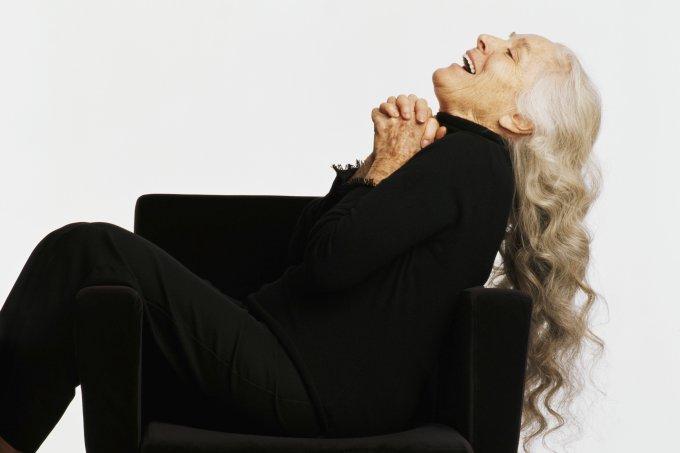 mulher-cabelo-branco