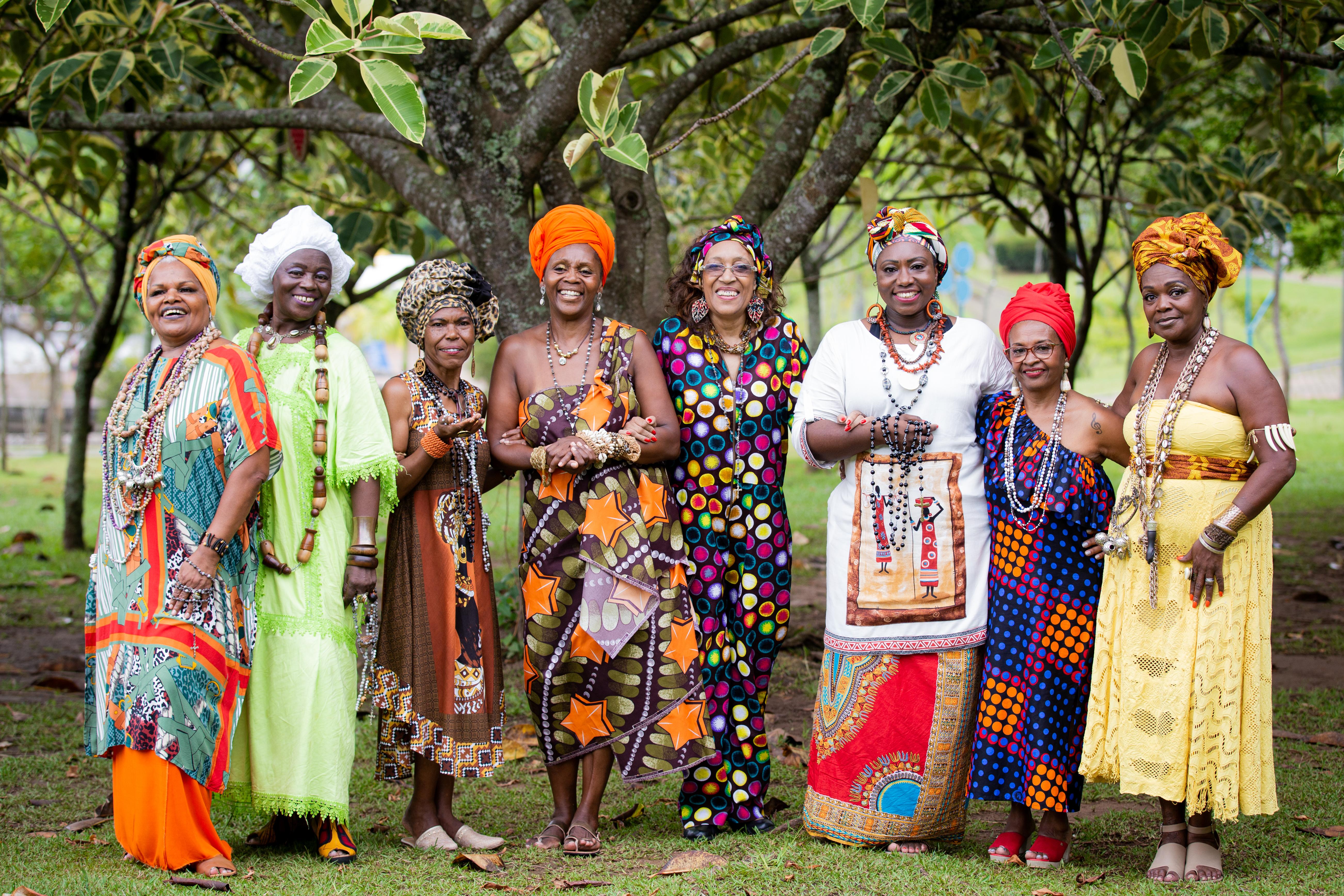 As Pastoras do Rosário: Majestade Sol, Marlei Madalena, Sandrinha do Rosário, Lara de Jesus, Neuza Lima, Dona Margarida, Wilma Silva e Carla Lopes