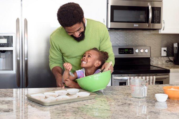 pai e filha cozinha
