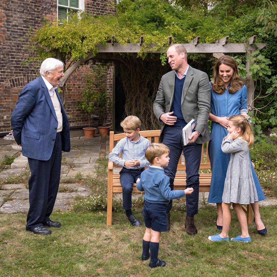 Kate e William acompanhados de seus três filhos