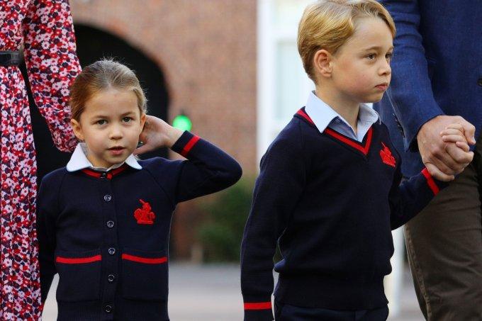 Princesa Charlotte e Príncipe George não voltarão as aulas