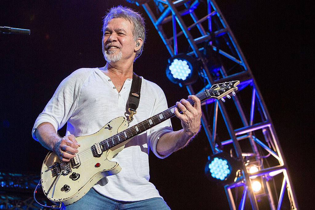 Eddie Van Halen morreu: Morre o guitarrista Eddie Van Halen aos 65 anos | CLAUDIA