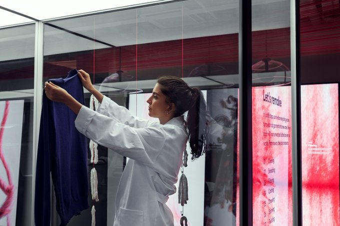 hm-inaugura-loja-suecia-clientes-roupa-velha-nova-5-conexao-planeta
