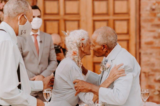 ENSAIO FOTOGRÁFICO de Poly dos Anjos