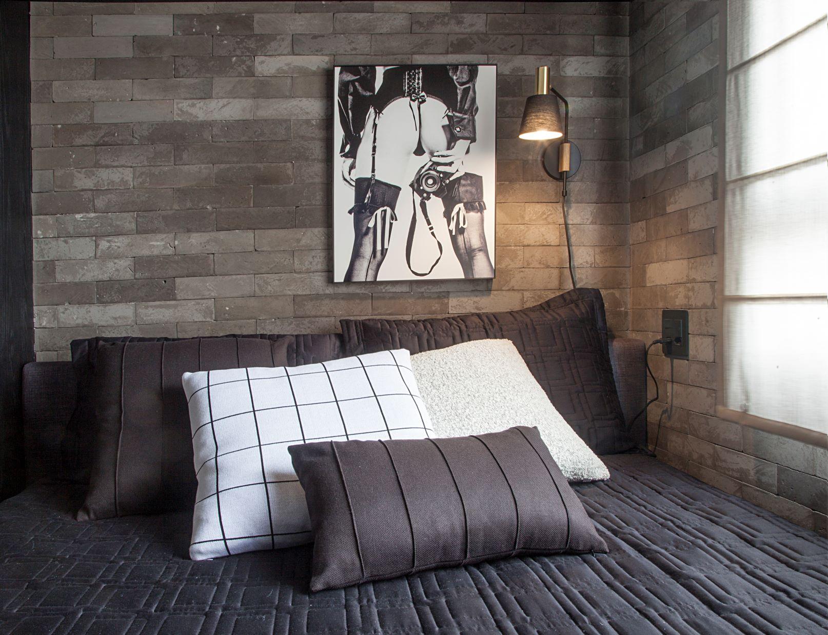 parede de tijolinho cinza