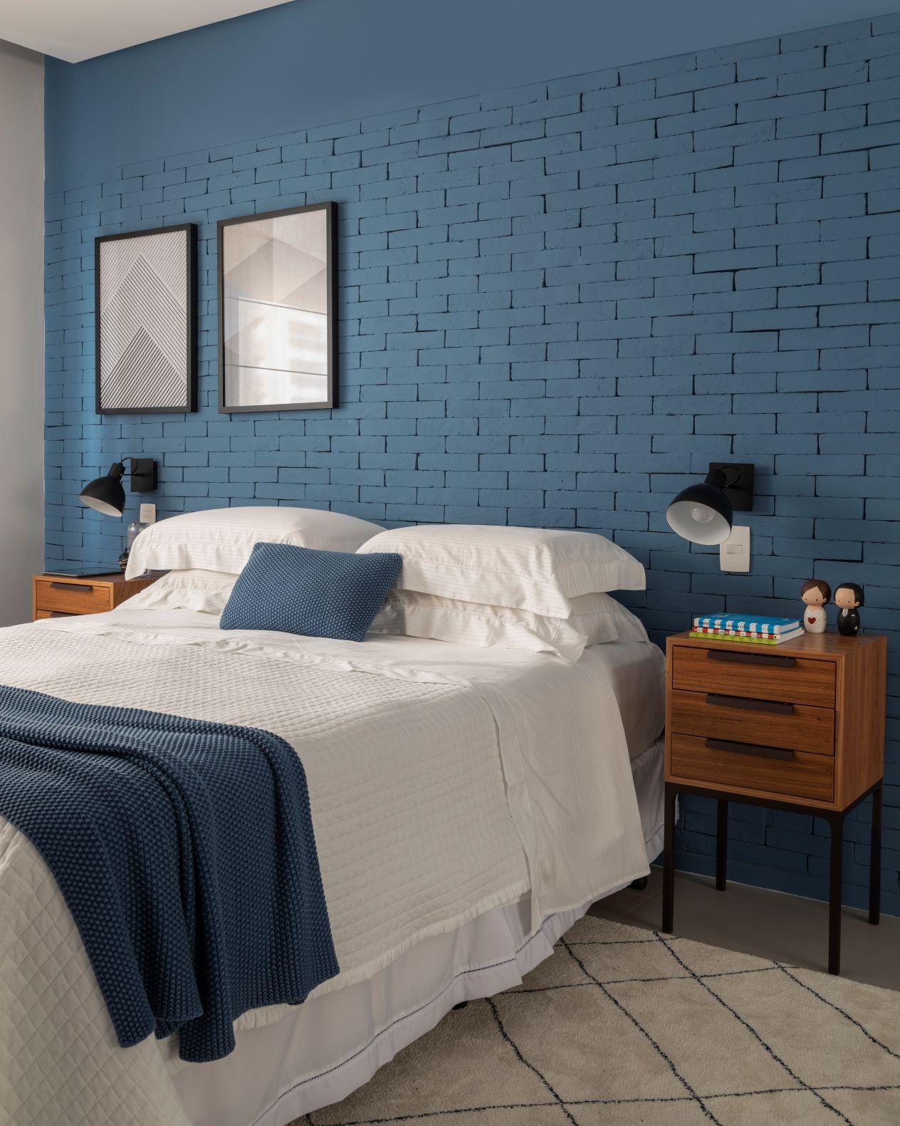 parede azul de tijolinho