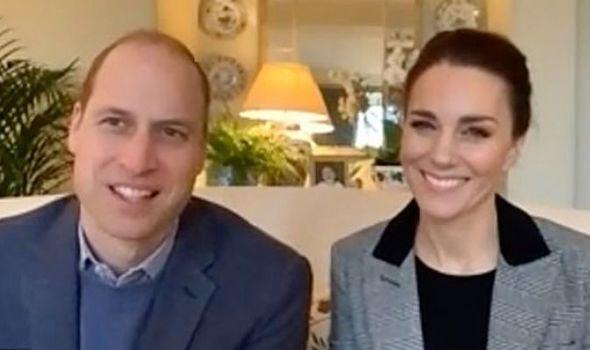 Kate Middleton e Príncipe William videochamada