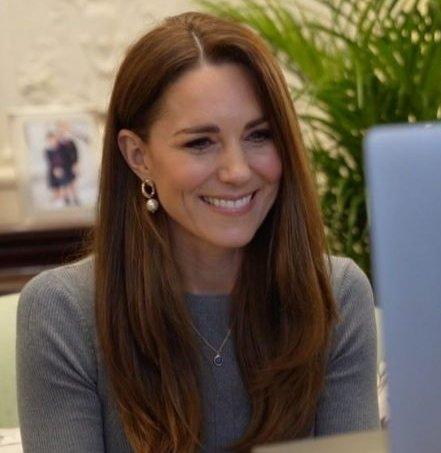 Kate em Reunião