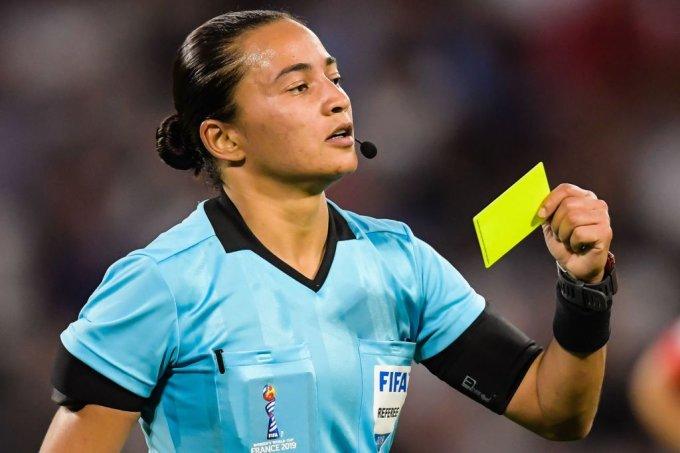 Edina Alves, árbitra de futebol