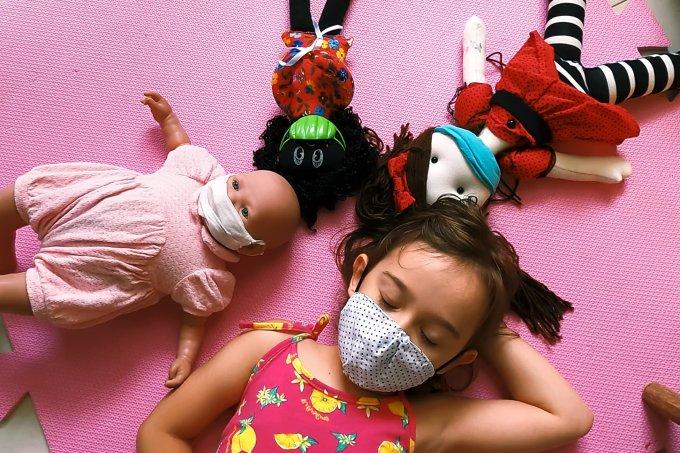 criança triste pandemia