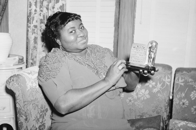 Hattie Mcdaniels With Academy Award