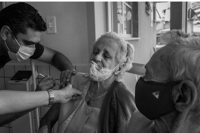 vacinação avós de Isis Medeiros Conversa de Vó