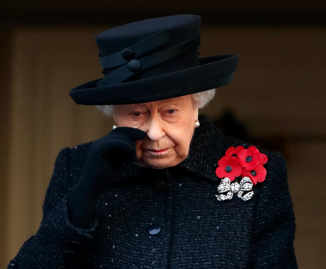 rainha-elizabeth-quebra-tradicao