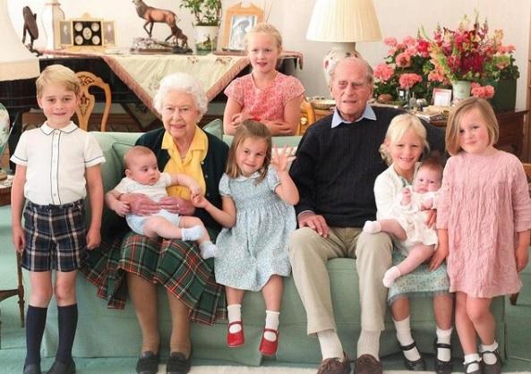 Família usou as redes sociais para prestar homenagens a Philip