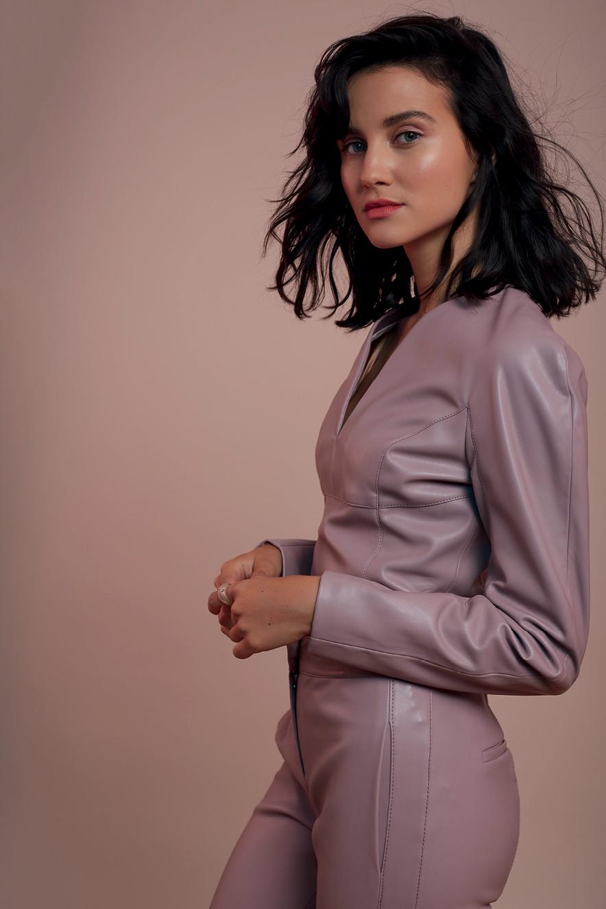 A atriz Julia Goldani Telles