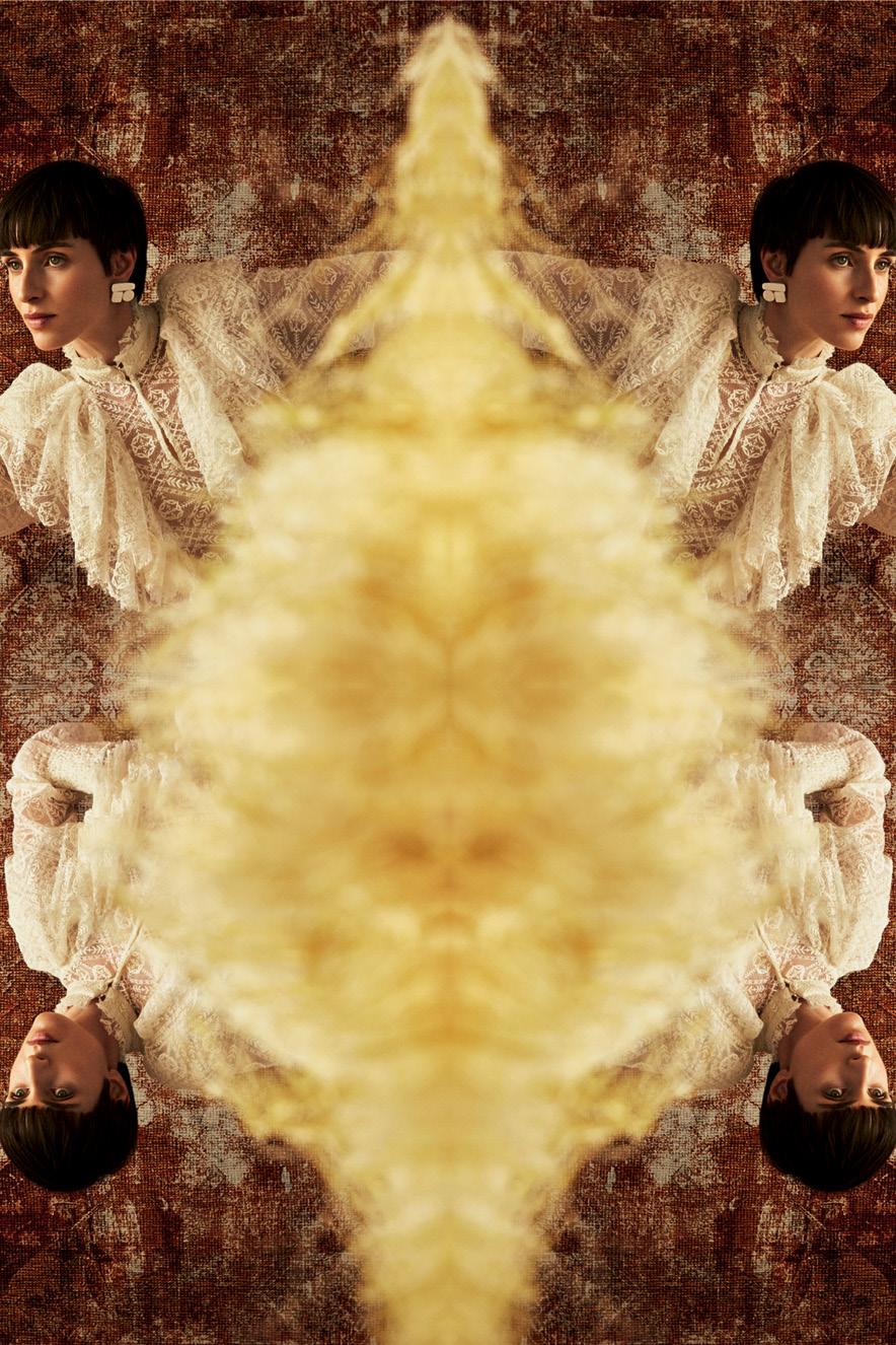 mulher com camisa branca aparece quatro vezes na foto