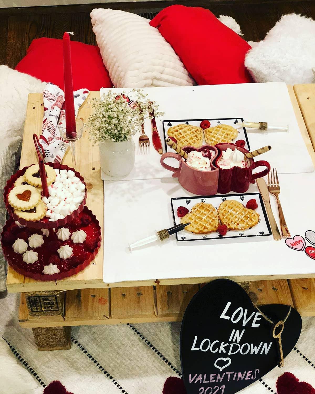 Piquenique romântico em casa