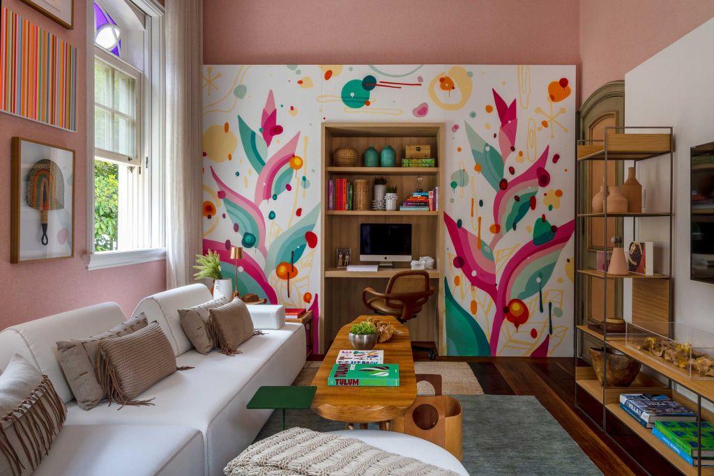 Sala íntima do Hóspede, por Tatiana Lopes e Tatiana Pessoa Mendes - CASACOR Rio de Janeiro 2021
