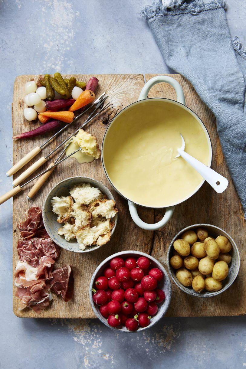 Tábua de legumes e embutidos para fondue
