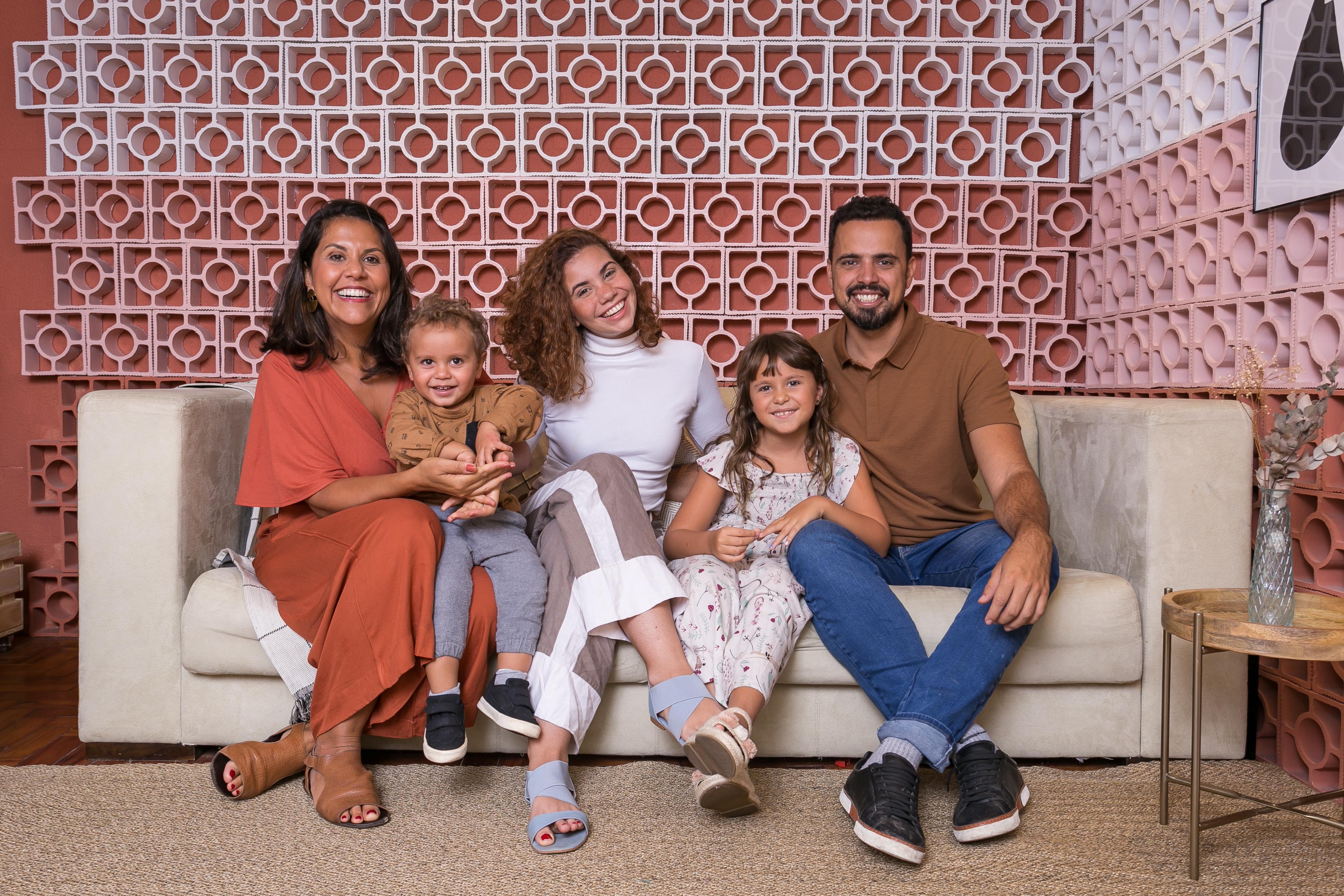 Da esquerda para a direita Amanda, Antônio, Flora, Olívia e José