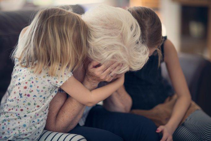 adulto-chorado-criancas